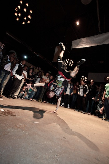 Dancer Nasty Nate in the middle of a cipher at Dance Houston's H-Town Get Down. Photo by Eric Hester.